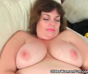 UKs Cutest BBW MILF Vintage Fox..