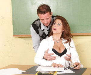 Big titted MILF teacher Roberta Gemma stretches her asshole