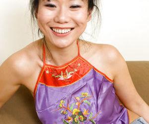 Petite Oriental first timer Niya Yu exposing nice MILF..