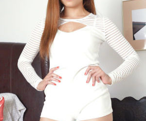 Petite curvy amateur chick Jamie Marleigh boasts of her..