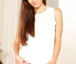 Long-haired teen Shrima Malati strips off and enjoys..