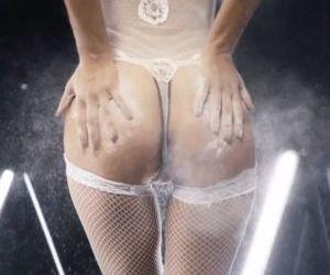 Picture- Elsa Hosk butthole