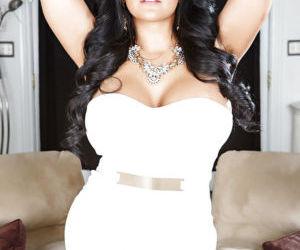 Cute big ass latina milf Kiara spreading her huge ass and..