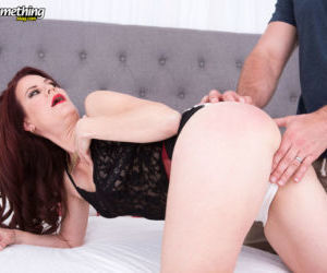 Mature woman Jazmin Cox hooks up with a big dick for..