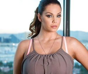 Big tits milf Alison Tyler is revealing her asshole in her..
