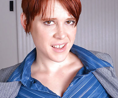 Short haired redhead babe Lily Cade sports anal gape while spreading beaver